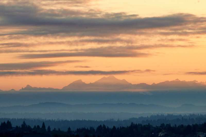 Mt Pilchuk and Glacier Peak at sunrise